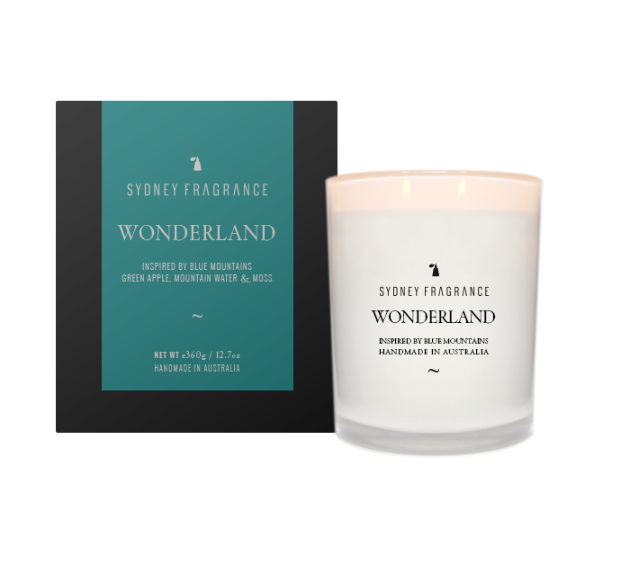 Sydney Fragrance WonderLand candle GREEN APPLE, MOUNTAIN WATER & MOSS